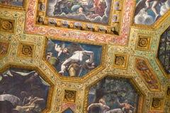 天花板壁画在Palazzo del Te在曼托瓦 免版税库存照片