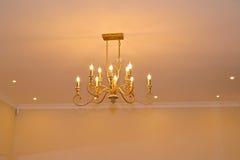 天花板灯在客厅 免版税图库摄影