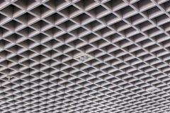 天花板现代大厦的屋顶结构 免版税库存图片