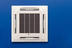 天花板登上的卡式磁带类型空调器 图库摄影