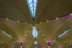 天花板背景的抽象形式 免版税库存照片