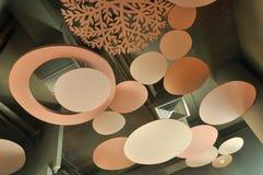 天花板设计装饰并且包括通风系统 库存照片