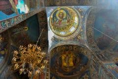 天花板绘画在大教堂里 库存照片