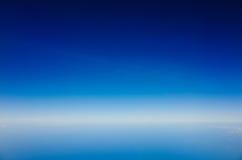 天蓝色的天空 免版税库存照片