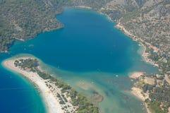 天蓝色的盐水湖 库存图片