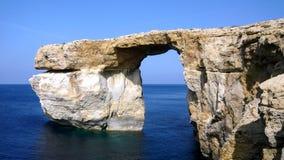 天蓝色的窗口-戈佐岛 免版税库存照片