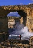 天蓝色的gozo海岛马耳他视窗 免版税库存图片