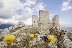 天鹰座calascio城堡rocca天空 免版税库存图片