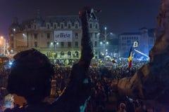 天3反政府抗议者在布加勒斯特 图库摄影
