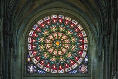 天主教会内部冰屑玻璃,阿尔隆,比利时 库存照片