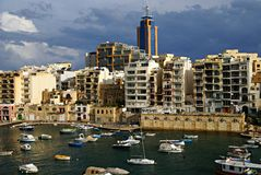 天11月7日-旋风的地中海在马耳他 库存照片