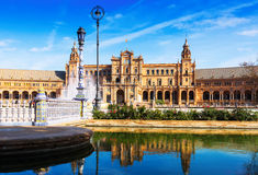天晴朗的观点的Plaza de西班牙 塞维利亚 图库摄影