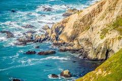 太平洋沿海峭壁场面 免版税库存图片