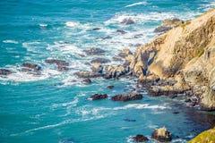 太平洋沿海峭壁场面 图库摄影