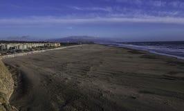 太平洋的海滩视图 免版税库存照片
