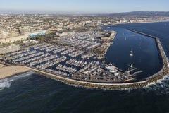 太平洋小游艇船坞空中雷东多海滩加利福尼亚 免版税库存照片