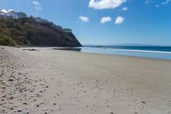 从太平洋海岸的海滩 免版税库存图片