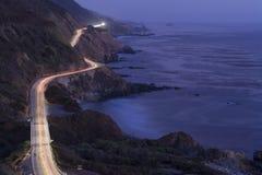 太平洋海岸高速公路在晚上 免版税库存图片