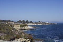 从太平洋海岸高速公路的加利福尼亚海岸线 免版税库存图片