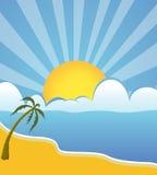 太阳上升和云彩在海边 库存照片