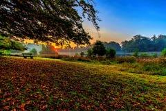 太阳上升,一个10月上旬早晨 免版税图库摄影