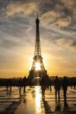 巴黎太阳上升 免版税库存图片