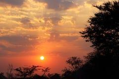 太阳上升 库存图片