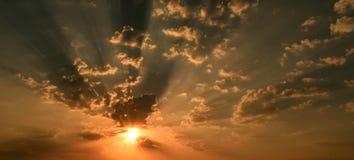 太阳上升 库存照片