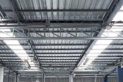 太阳保护箔救球热的屋顶上面 免版税图库摄影