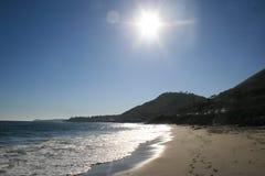 太阳俯视的西海岸海滩 免版税库存图片
