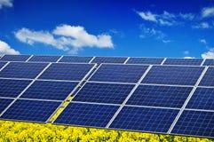 太阳光致电压的次幂 免版税库存图片