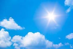 太阳发光明亮 库存照片