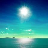 太阳和海运 免版税库存照片