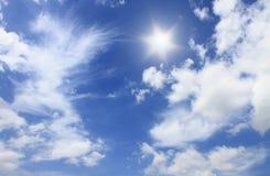 太阳和bluesky 库存图片