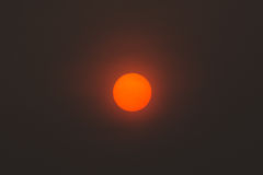 太阳在图象的中心 免版税库存图片