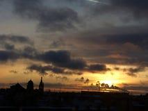 太阳在圣彼德堡设置了 免版税库存图片