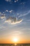 太阳在夏天设置了 免版税库存图片