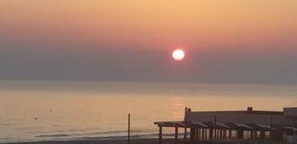 太阳在海 免版税库存照片