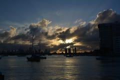 太阳在迈阿密海滩,佛罗里达,美国设置了 库存照片