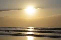 太阳在水反射 图库摄影