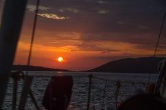 太阳形式小船 库存照片