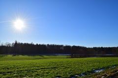 太阳横穿 免版税库存照片