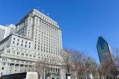 太阳生活大厦和1000 de la Gauchetiere是摩天大楼 免版税库存照片