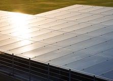 太阳电池板可更新的节能生态产业系统 免版税图库摄影