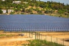 太阳电池板导致绿色,不伤环境的能量从 免版税库存照片