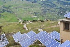 太阳电池板看法在Madonie山的 库存照片