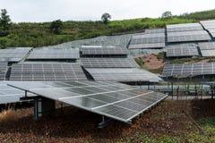 太阳电池板能源厂 库存图片