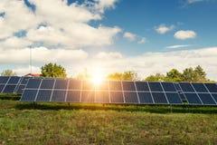 太阳电池板,光致电压-供选择的电来源 图库摄影