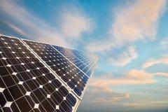 太阳电池板,光致电压,供选择的电来源 图库摄影