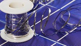 太阳电池板细胞元素和导线 免版税库存照片